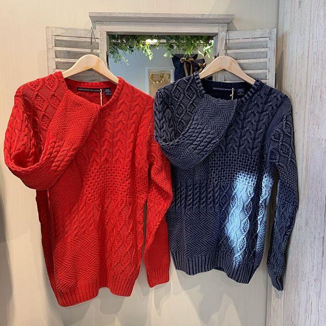・・Men'sコットンジャガード織ニット・・コットン100%なので肌当たりもよく着心地抜群です・・安定のブルー色はもちろん、この時期の色物(レッド)はオススメです♬・・・こちらの商品も、定価より30%OFFになります・・・#群馬#筑縄町#高崎#wardrobe#ワードローブ#fashion #ファッション #coordinate #コーディネート#jewelry #ジュエリー#apparel#アパレル#import#インポート#mens#メンズ#ladies#レディース#kids#キッズ#アイシングクッキー #gift #interior #インテリア#雑貨#セレクト#セレクトショップ#トータルセレクトショップ.カリフォルニアテイストのオシャレで素敵なお店です.wardrobe(ワードローブ)〒370-0075群馬県高崎市筑縄町50-2℡027-388-9860平日11:00〜20:00.姉妹店CROCE(クローチェ)@croce_yt7i℡027-370-2511VIGOR(ヴィゴール)@vigor_yt7i℡027-365-2488